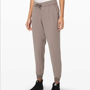 Lululemon On the Fly Woven Joggers